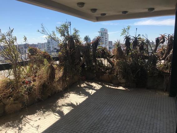 Departamento En Venta, 4 Ambientes C/dependencia Y 2 Cocheras. Vista Al Río