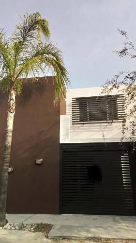 Casa En Venta En Las Lomas Sector Bosques, Garcia
