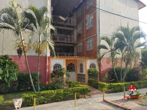 Apartamento En Los Samanes Cod-20-17517 Lav