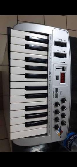 Para Djs Controlador M-audio Oxygen Em Ótimo Estado