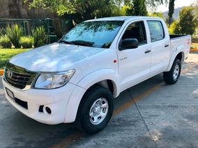 Toyota Hilux Doble Cabina Standard Aire Acondicionado