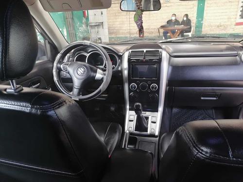 Suzuki Grand Nomade 4x2 2012