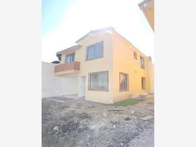 Casa Sola En Venta Colonia Peña Flores, Para Credito Fovissste Infonavit