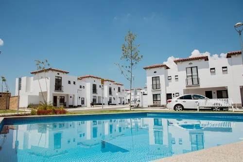 Preciosa Casa En Juriquilla, San Isidro, 3 Recamaras, Alberc