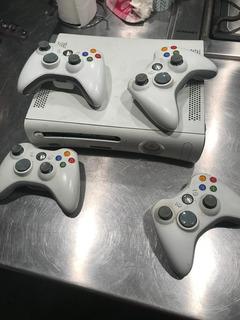 Xbox 360 (para Repuesto) + 4 Controles Leer Descripción