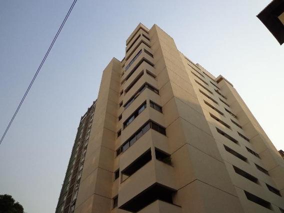 Apartamento En Venta - Los Palos Grandes - 20-3828