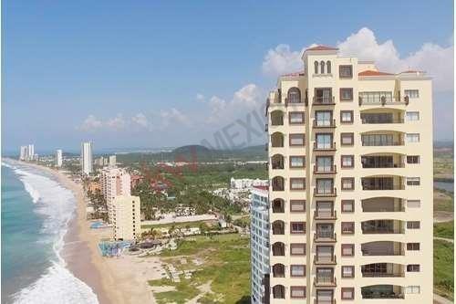 Asombroso Condominio En La Playa - Las Gavias Grand 2411 Ph