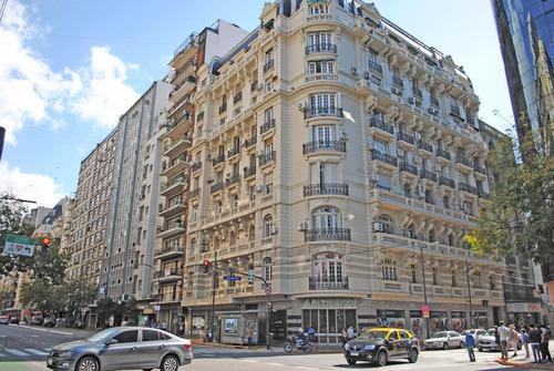 Imagen 1 de 23 de Oficina En Edificio Rodrigué, Patrimonio Histórico De La Ciudad