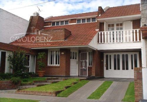 Colinas De Peralta Ramos. Einstein Y Fortunato De La Plaza. Chalet 5 Ambientes.