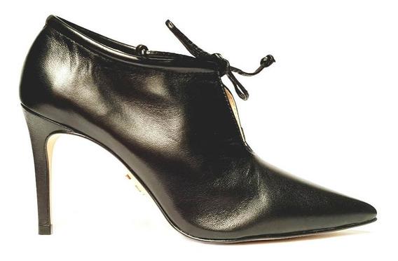 Bota Ankle Boot Bico Fino Com Amarração Carrano 146753