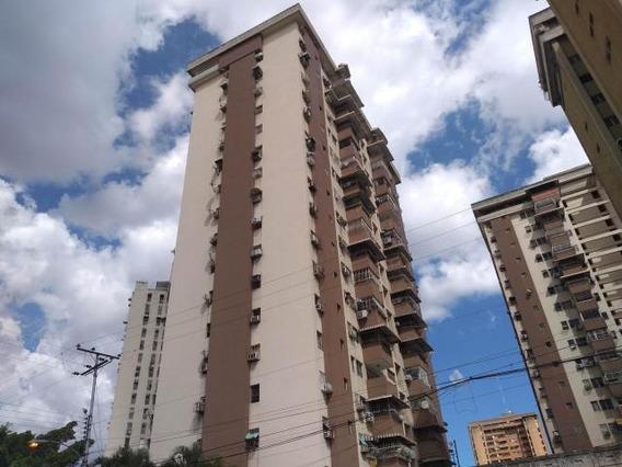 Apartamento En Venta En Urb El Centro/ Wjo Cod 19-7860