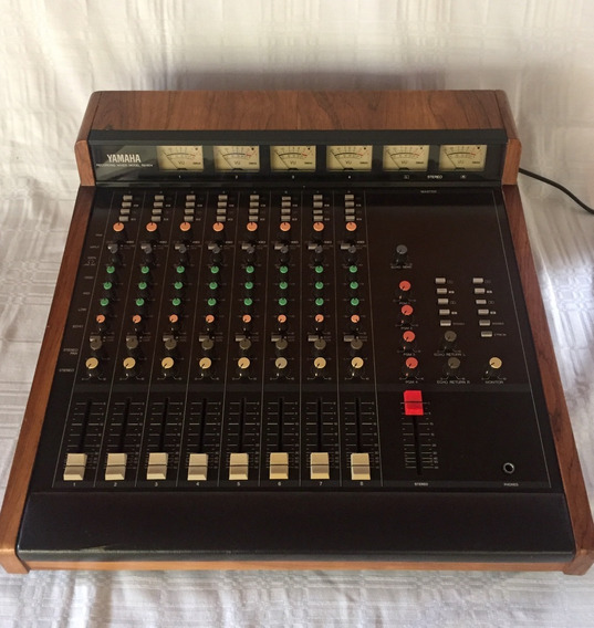 Mesa De Som Yamaha Rm-804 (vintage)