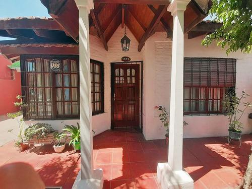 Imagen 1 de 30 de Casa 4 Amb Ituzaingo Pileta Jardin Cochera Quincho
