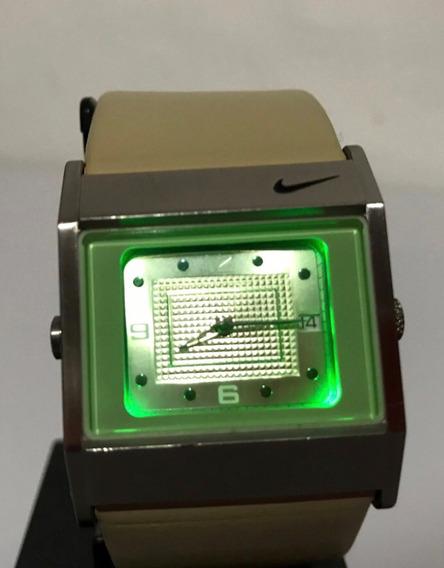 Reloj Nike Acero Wa0051 Luz Led Verde Correa En Piel Pila