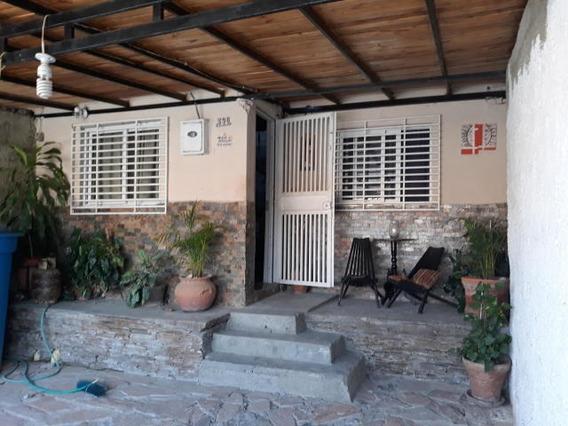 Casa En Venta El Valle Cabudare 20-3655 J&m 04120580381