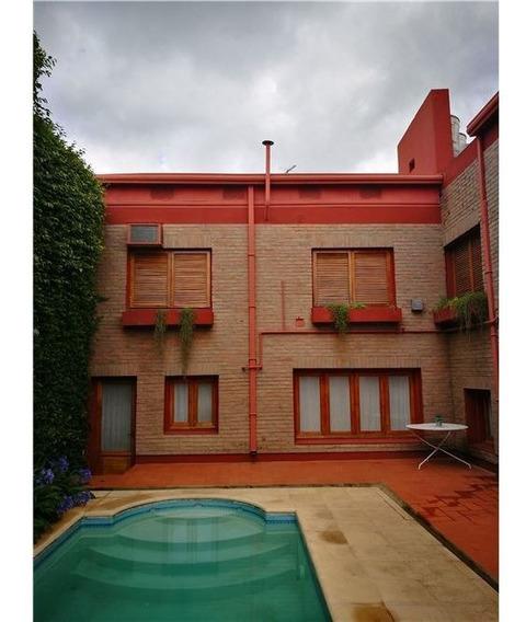 Casa De 6 Ambientes Con Pileta,lavadero ,garage.