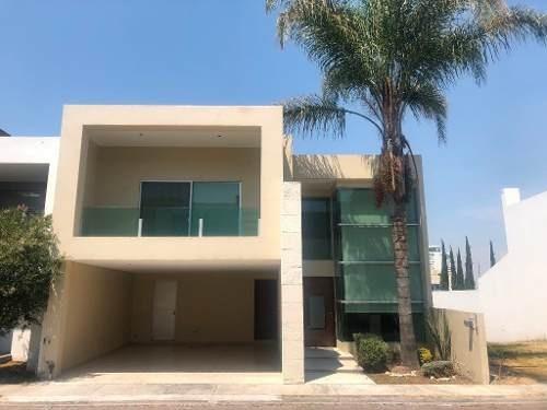 Casa En Venta En Fraccionamiento Residencial San Martinito Zona (atlixcayotl)