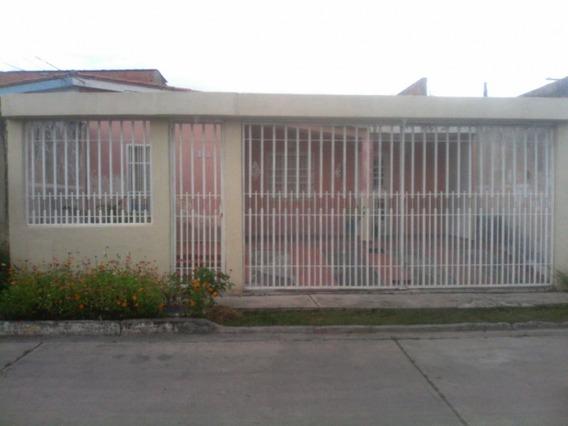 Casa En Urb Araguaney Flor Amarillo