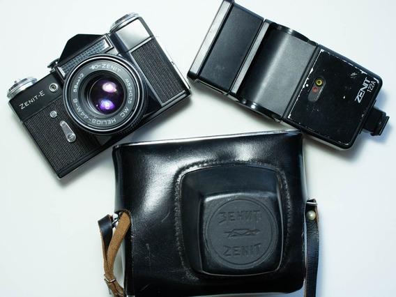 Linda Câmera Zenit E + Flash + Bolsa