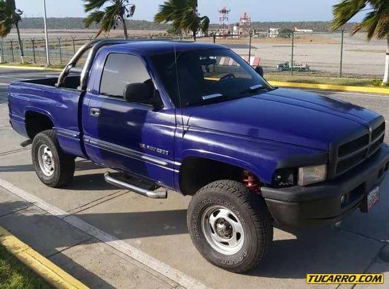 Dodge Ram Pick-up 1500 V8