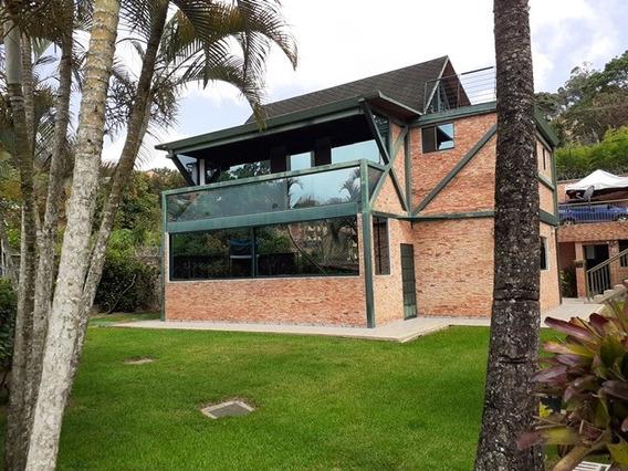 Se Vende Casa 482m2 4h/5b/8p Las Marias