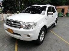 Toyota Fortuner Urbana 2700