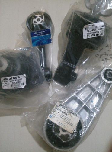 Kit De Soportes Caja Y Motor Optra Limited Gm