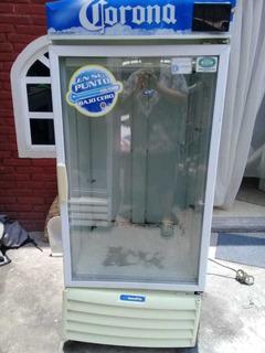 Refrigerador Exhibidor Servecero.