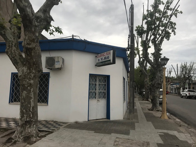 Vendo Comercio En Calle 18 De Julio Esq, Carlos M Ramirez