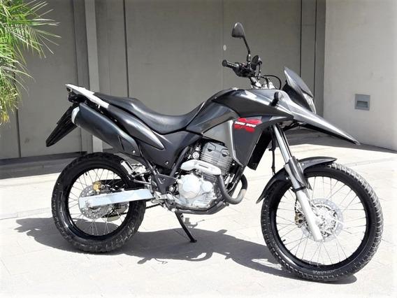 Oportunidad Edición Limitada. Con Solo 3571 Km Honda Xre 300