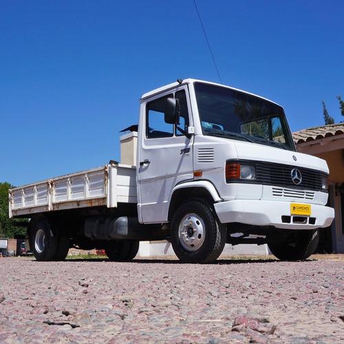 Camion M. Benz 710 '06 C/ Carroc. Baranda Volcable