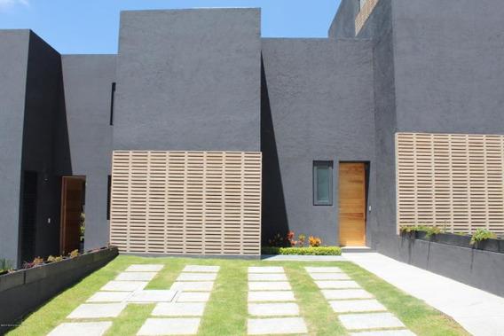 Casa En Venta En El Refugio # 19-951 Jl