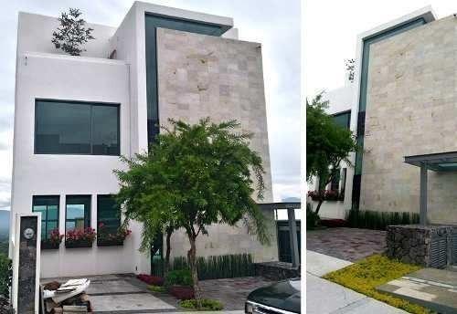 Se Vende Hermosa Residencia En Zibatá, De Lujo Y Con Gran Diseño De Autor.-