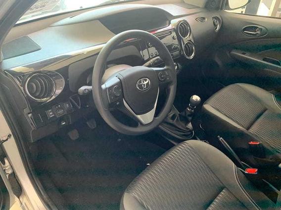 Toyota Etios Hatch X Plus 15 Mt 19/20