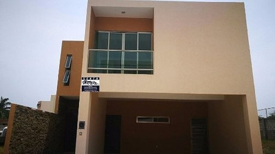 Casa Nueva En Venta, Fracc. Lomas Diamante, Alvarado, Veracruz