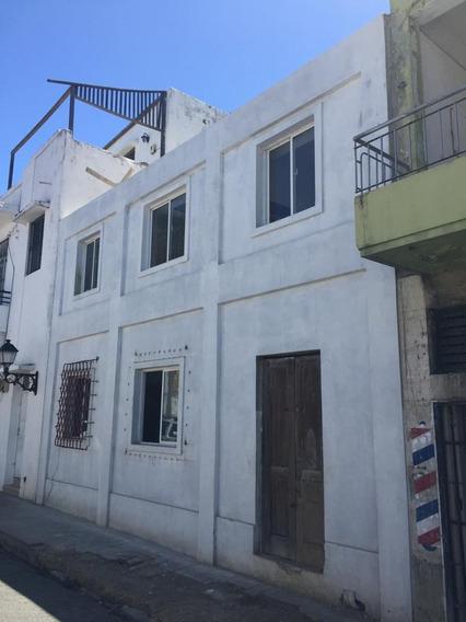 Casa Con 8 Estudios Y 2 Apartamentos En La Zona Colonial