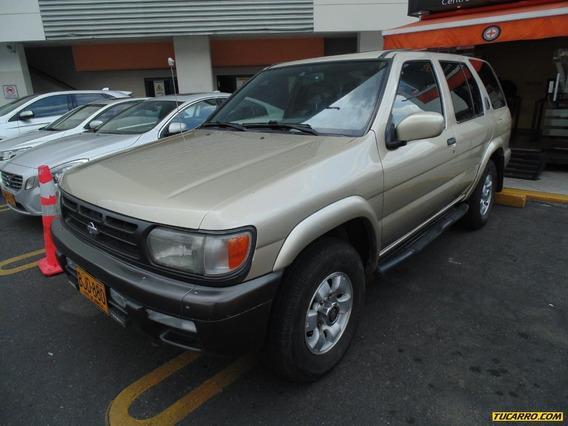Nissan Pathfinder Se 4x4 At