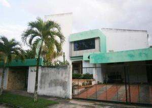 Casa En Venta Altos De Guataparo Valencia 20-727ez