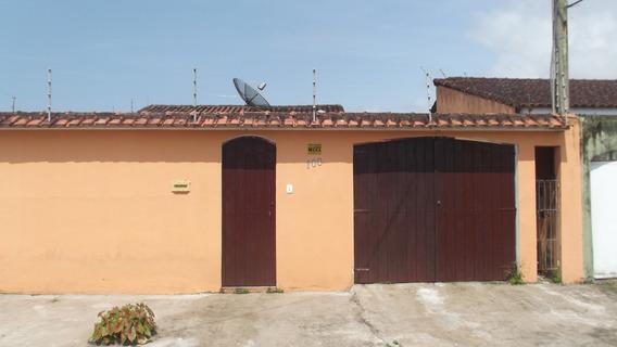 786- Casa Com 198 M² Com 3 Dormitórios Sendo 2 Suítes
