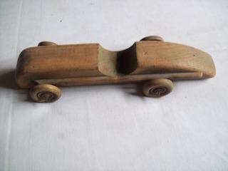 Juguete Antiguo . Auto De Madera . Fundación Eva Perón