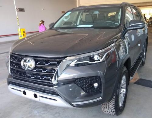 Imagen 1 de 13 de Toyota Sw4 2021 2.8 Srx 177cv 4x4 7as At Okm
