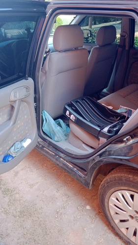 Imagem 1 de 8 de Volkswagen Gol 2002 1.0 16v Power 5p