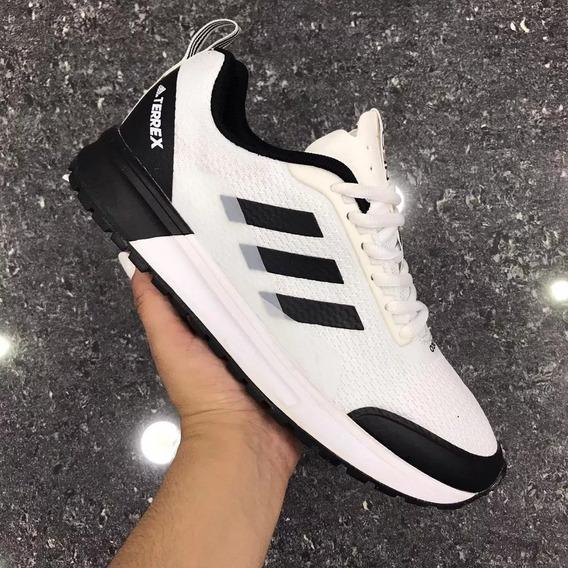 Zapatillas Adidas Neo Negras Con Rayas Blancas Tenis