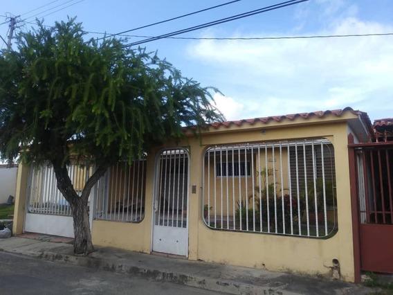 Casa En Venta Valle Hondo 19-18041 Rb