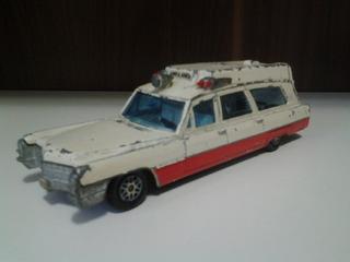 Dinky Toys - Cadillac Ambulancia