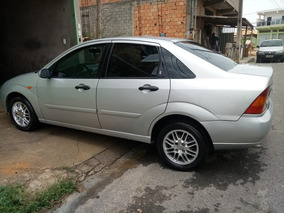 Ford Focus Sedan 2.0 Ghia 4p Manual 2002