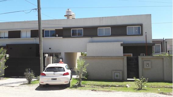 Duplex Cochera Pasante, Jardìn Fondito. 3 Dorm, Baño Toile