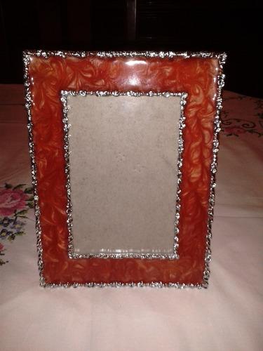 Imagen 1 de 10 de Portarretrato De Aluminio Macizo Con Aplicaciones De Nácar
