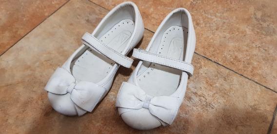 Chatitas Ballerinas Blancas Zara Talle 24 De Cuero
