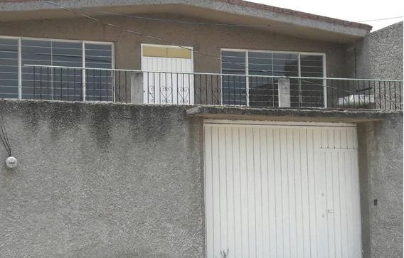 Casa De 4 Recámaras Y 2 Baños